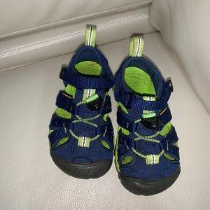 Keen toddler sandals 8
